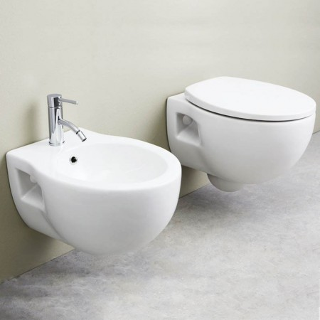 Coppia di sanitari sospesi Axa serie Prime con copriwater soft close a sgancio rapido